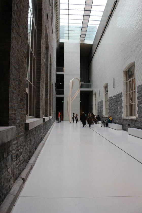 a picture of the national gallery of ireland