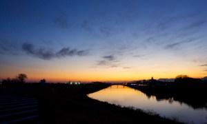 河川敷の夕暮れ