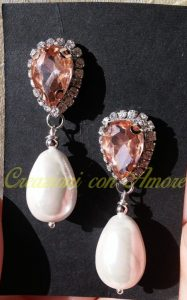 orecchini con cristallo rosa e goccia di perla finta