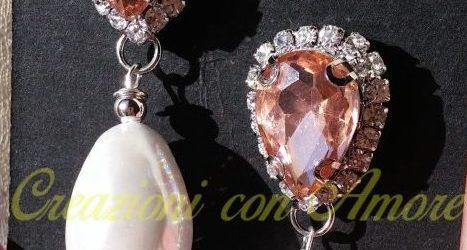 orecchini con cristalli rosa e goccia di vera perla