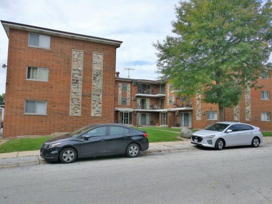 IMG_20180921_124035 18 Unit Apartment Building For Sale 13046-13050 S Wood St Blue Island IL 60406