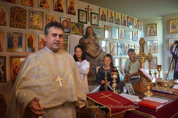 Taina Sfantului Botez unita cu Sfanta Liturghie (sau Liturghia Baptismala) la Biserica Ortodoxa Romana din Straubing
