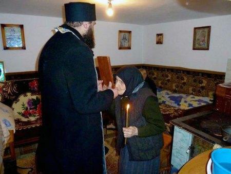 De ce merge preotul cu Ajunul