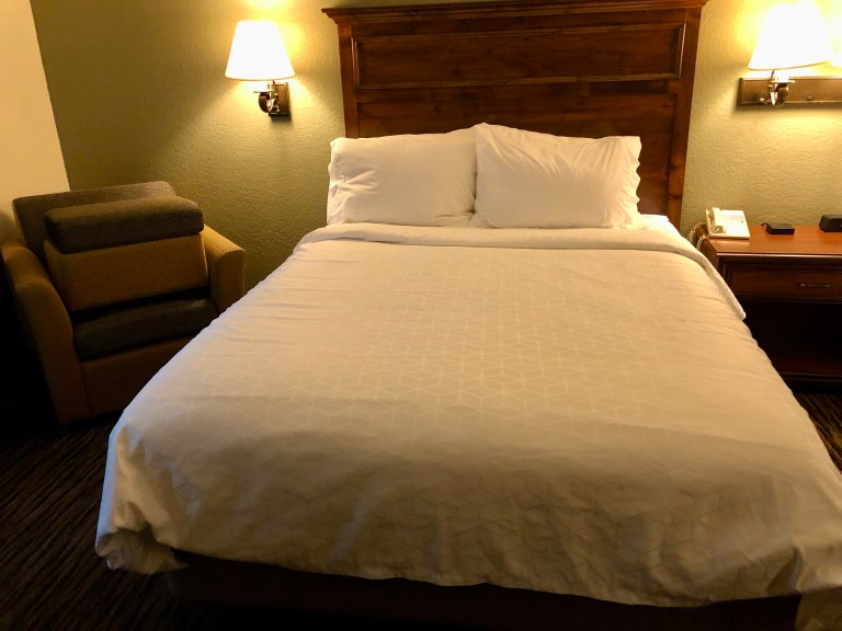 Holiday Inn Express Mount Rushmore Bed