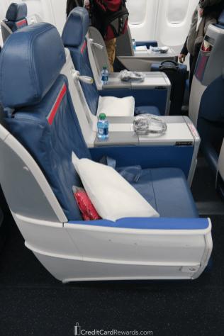 Delta One 767 Business Class Center Seats