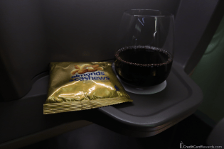 Singapore Airlines Business Class Post-Departure Snack & Wine