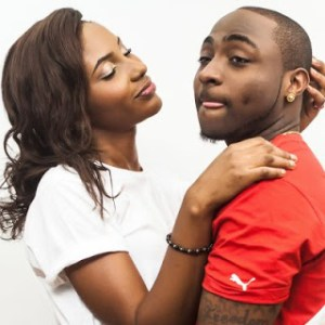 Davido to Give N2million to His Most Loyal Fan  when he gets back to Nigeria