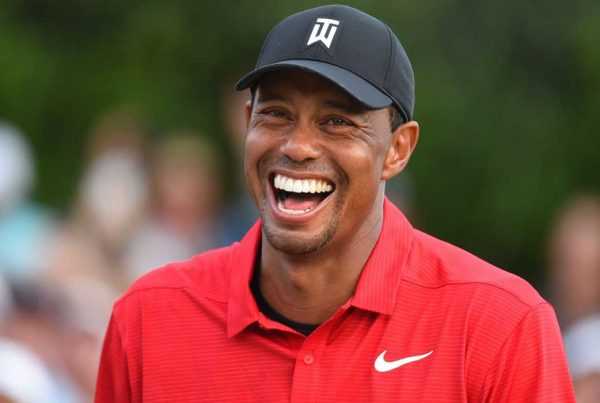 Tiger Woods wins first trophy in 5 years