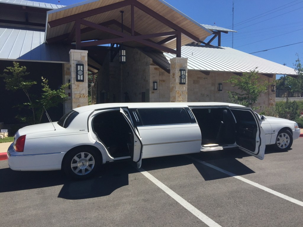 limo service hill country wine tasting and wine tasting