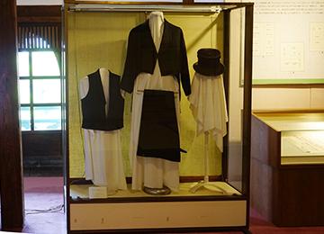 ↑展示品 燕尾服とシルクハット。