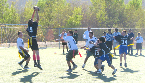 Lourdes' Lions Score a Win - Crescenta Valley Weekly