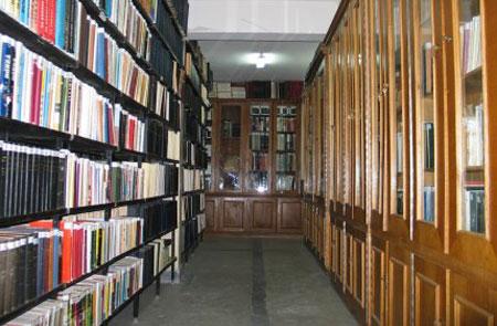 Manastirea Rohia - biblioteca manastirii