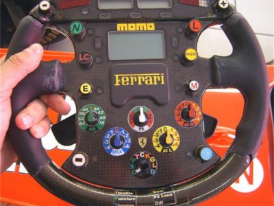 formula 1 - steering wheels-09