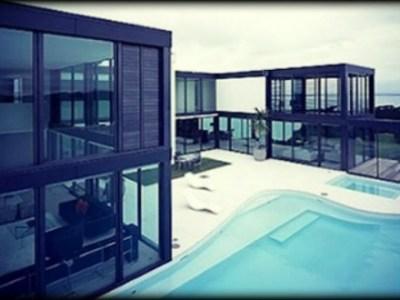 Εντυπωσιακά σπίτια από γυαλί