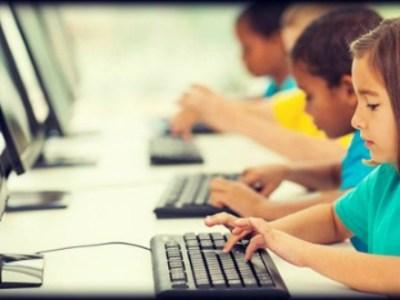 Οι σχολικοί υπολογιστές μειώνουν τις μαθητικές επιδόσεις