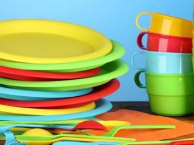 Τέλος και στα πλαστικά πιάτα