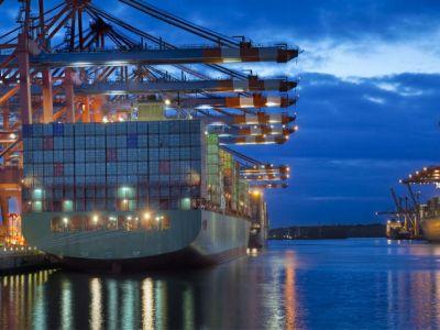 Συνεχίζουν να αυξάνονται οι ελληνικές εξαγωγές