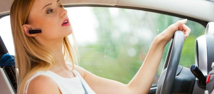 Η αφηρημάδα στην οδήγηση από κινητά και sms