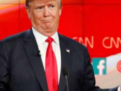 Παραπομπή Τραμπ δείχνει η Πελόζι