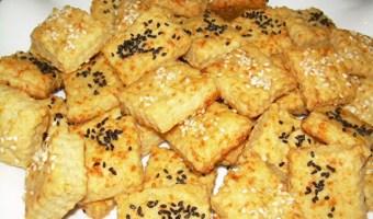 Πανεύκολα αλμυρά μπισκοτάκια με ελαιόλαδο και τυρί