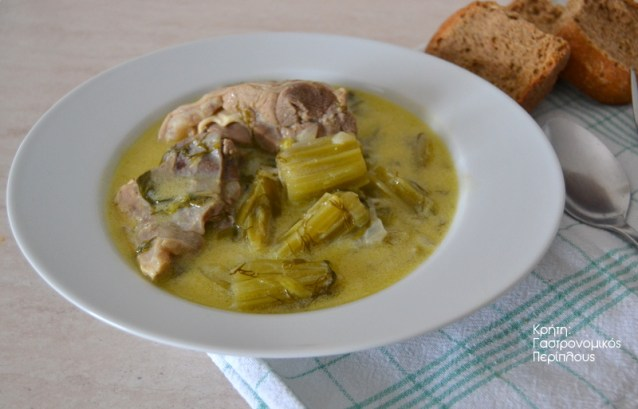Αρνάκι ή κατσικάκι με φύλλα αγκινάρας