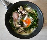 Αβρωνιές (οβριές) με αυγά μάτια και κρεμώδες τυρί