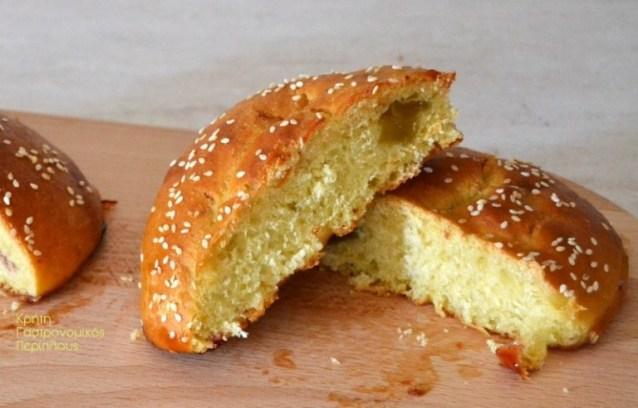 Γλυκά γεμιστά ψωμάκια ή κουλούρια (νηστίσιμα)
