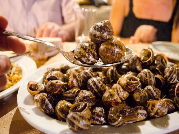 Στην Κρήτη όσο και να φας... δεν έχεις φάει πράμα | Χιούμορ | Κρήτη & Κρητικοί - Crete & Cretans