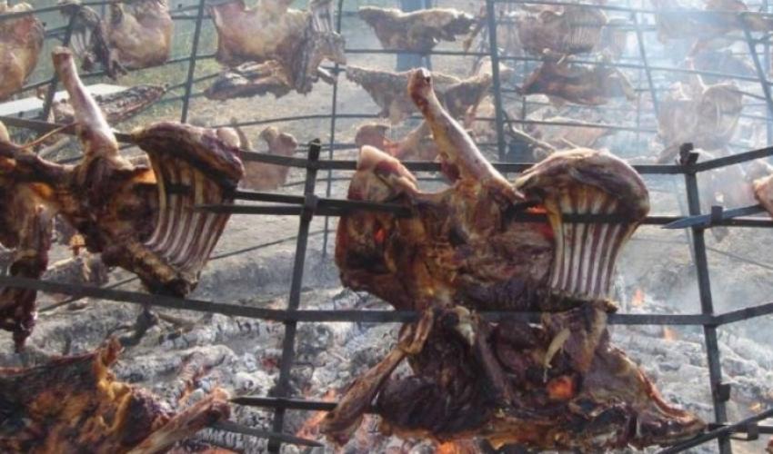 Cretans.Gr   Αντικριστό: Ωδή στον «Μαραντόνα» της κρητικής κουζίνας