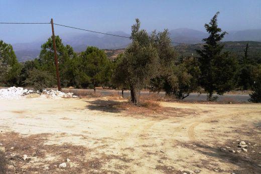 Hillside building plot in Kamilari
