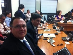 De izquierda a derecha, José Luis Salas, Director de CONAVI, Pedro Castro, Ministro MOPT. CRH