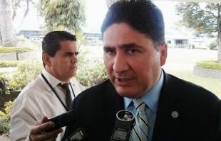 En la imagen el Ministro del MOPT, Pedro Castro. Foto CRH.