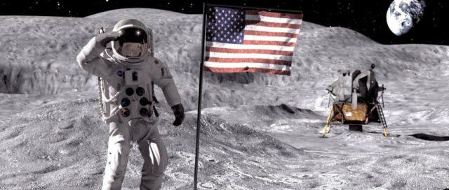 Resultado de imagem para homem na lua