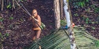 Una comunidad de indios vive aislada en la Amazonía y sin contacto hasta ahora con el mundo exterior.   Fuente: RICARDO STUCKERT