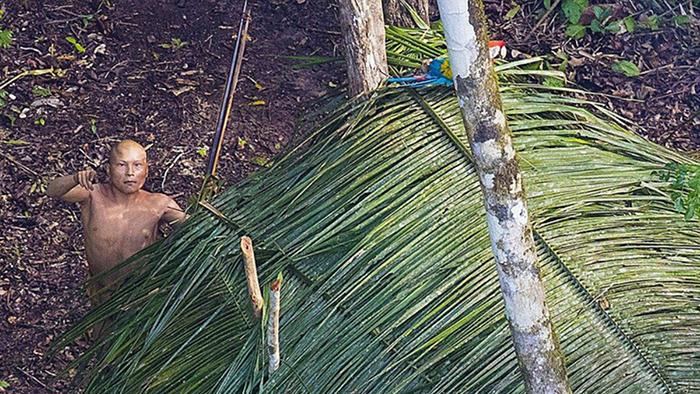 La Funai, que cuenta con un organismo especial para los indios aislados y de reciente contacto, tiene indicios de la existencia de al menos 107 de estas comunidades en la Amazonía pero la política brasileña no permite su acercamiento. | Fuente: RICARDO STUCKERT