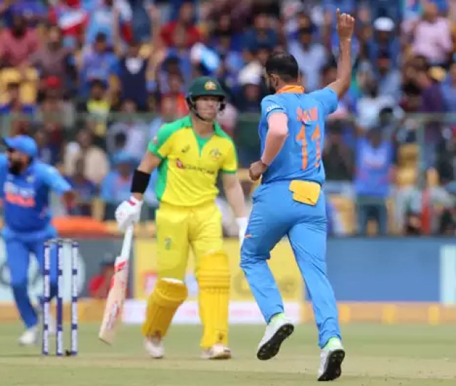 Live Cricket Score India Vs Australia Rd Odi Cricbuzz Com