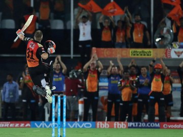 Eliminator: A battle between Warner and Knight Riders