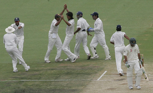 Ishant sharma celebrating after getting Ponting's Wicket