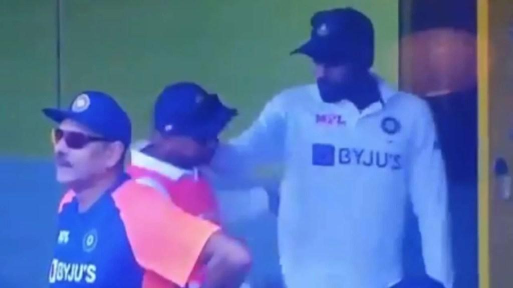 Mohammed Siraj Grabs Kuldeep Yadav's Neck
