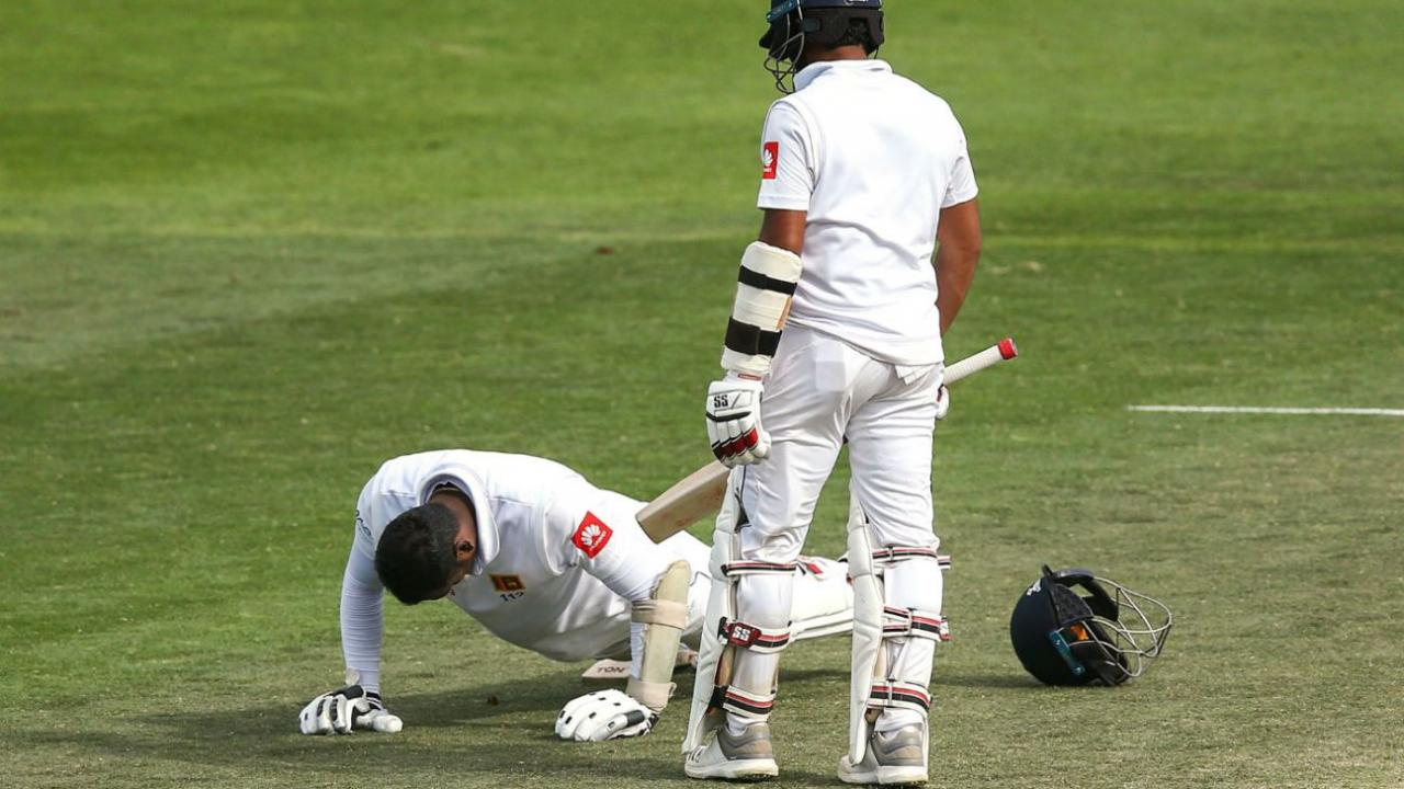 angelo mathews push ups