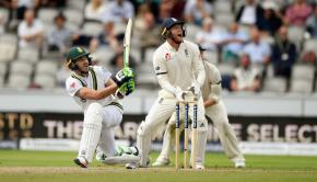 Faf-du-Plessis-looked-solid-for-his-61-and-was-involved-in-a-promising-123-run-stand-with-Hashim-Amla-for-the-fourth-wicket