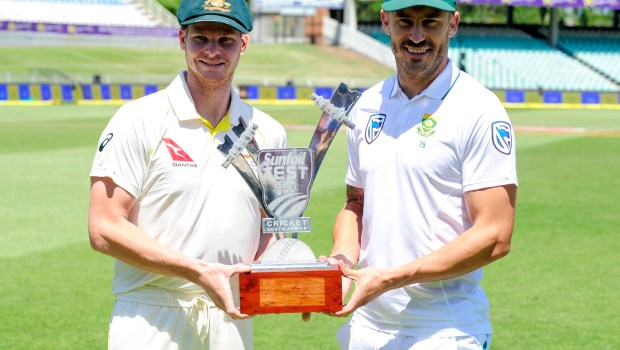 Steven Smith (Captain) of Australia and Faf du Plessis (Captain) of South Africa