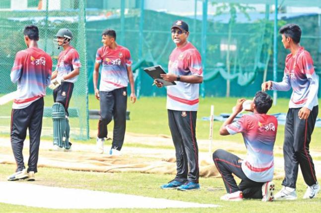 The head-coach of Bangladesh Under 10 Cricket Team Naveed Nawaz. Courtesy: The Daily Star