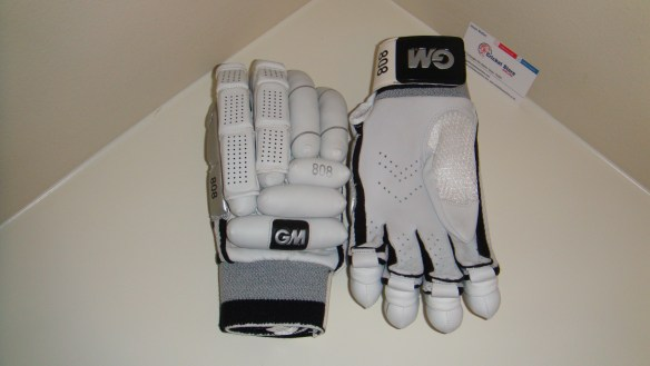 GM 808 cricket batting gloves 2012
