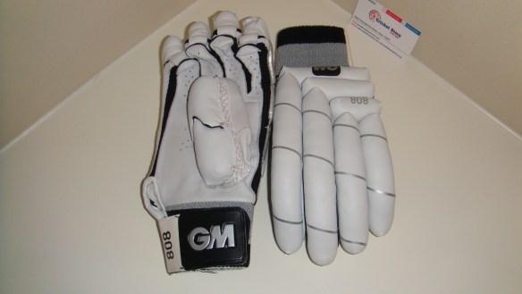 GM 808 2012 cricket batting gloves 2