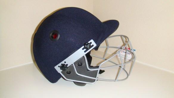 2012 GM pro cricket helmet