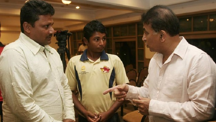 sarfaraz khan with sunil gavaskar