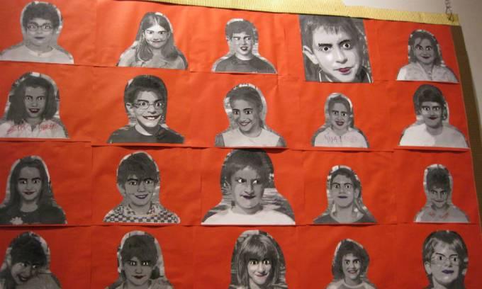 14 quadro con foto dei bambini della classe trasformati in mostri