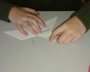 inizio della costruzione di origami