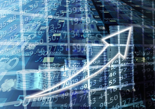 Precio del bitcoin avanza con cautela hacia los 300 dólares